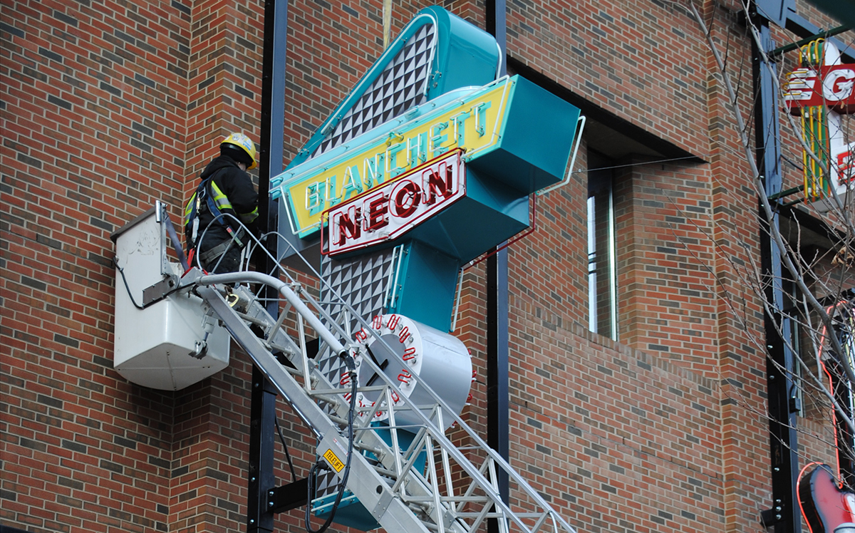 Blanchett Neon Retro Sign Install